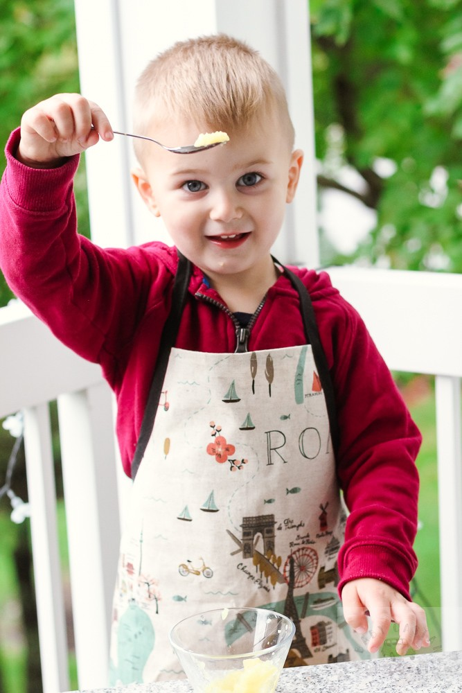 the Best Apple Recipes featured by top DC mommy blogger, Baby Castan on Board