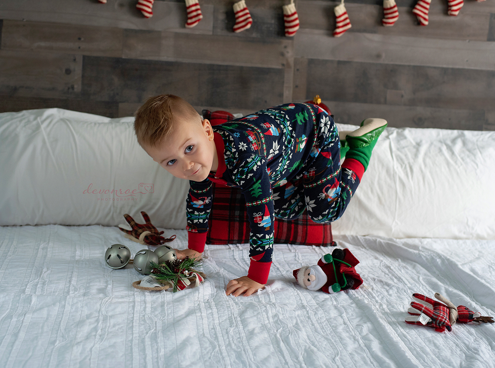 Holiday Photography Tips featured by top DC mommy blogger, Baby Castan on Board: final Christmas photo