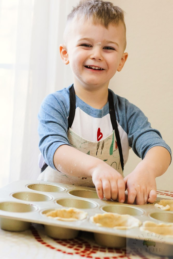 Valentine's Day Treats_toddler baking