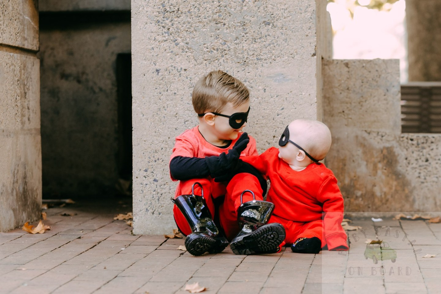 How to Make DIY Incredibles Costumes for Siblings