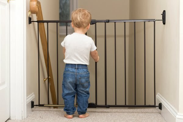Best Baby Gates For Stairs 2020 Top And Bottom Baby