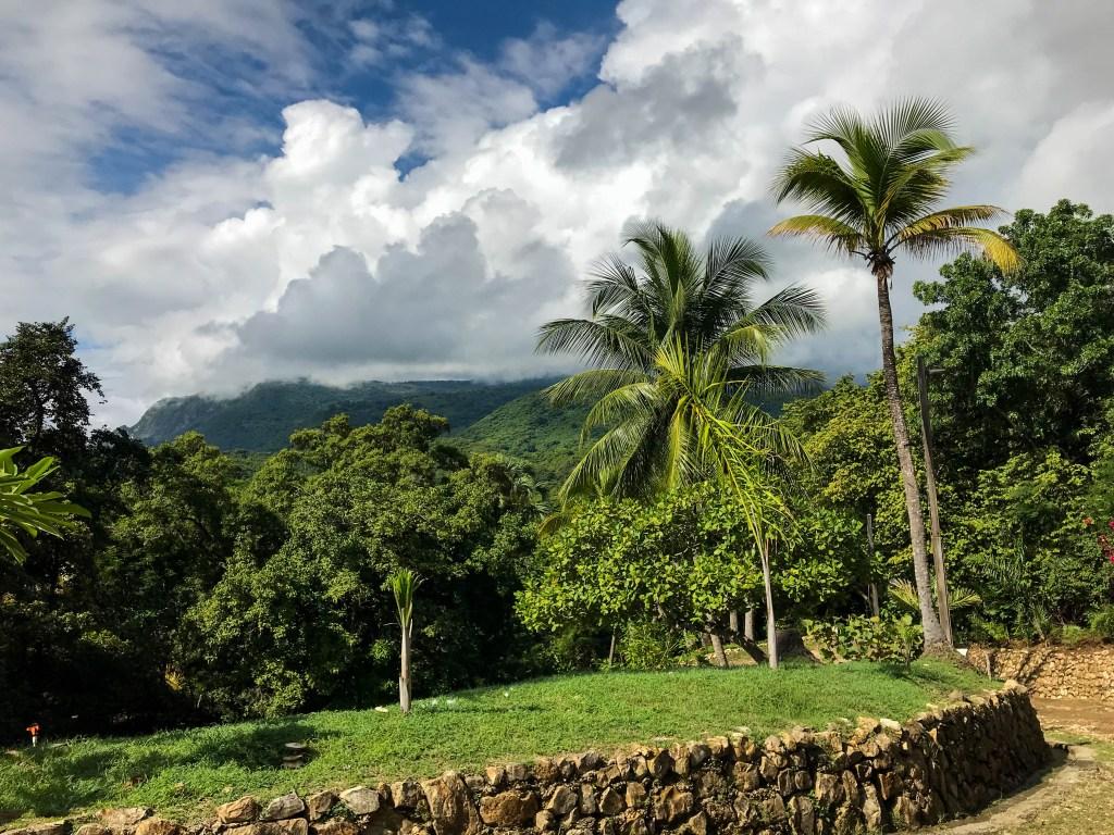 View from Casa Bonita Tropical Lodge of mountains