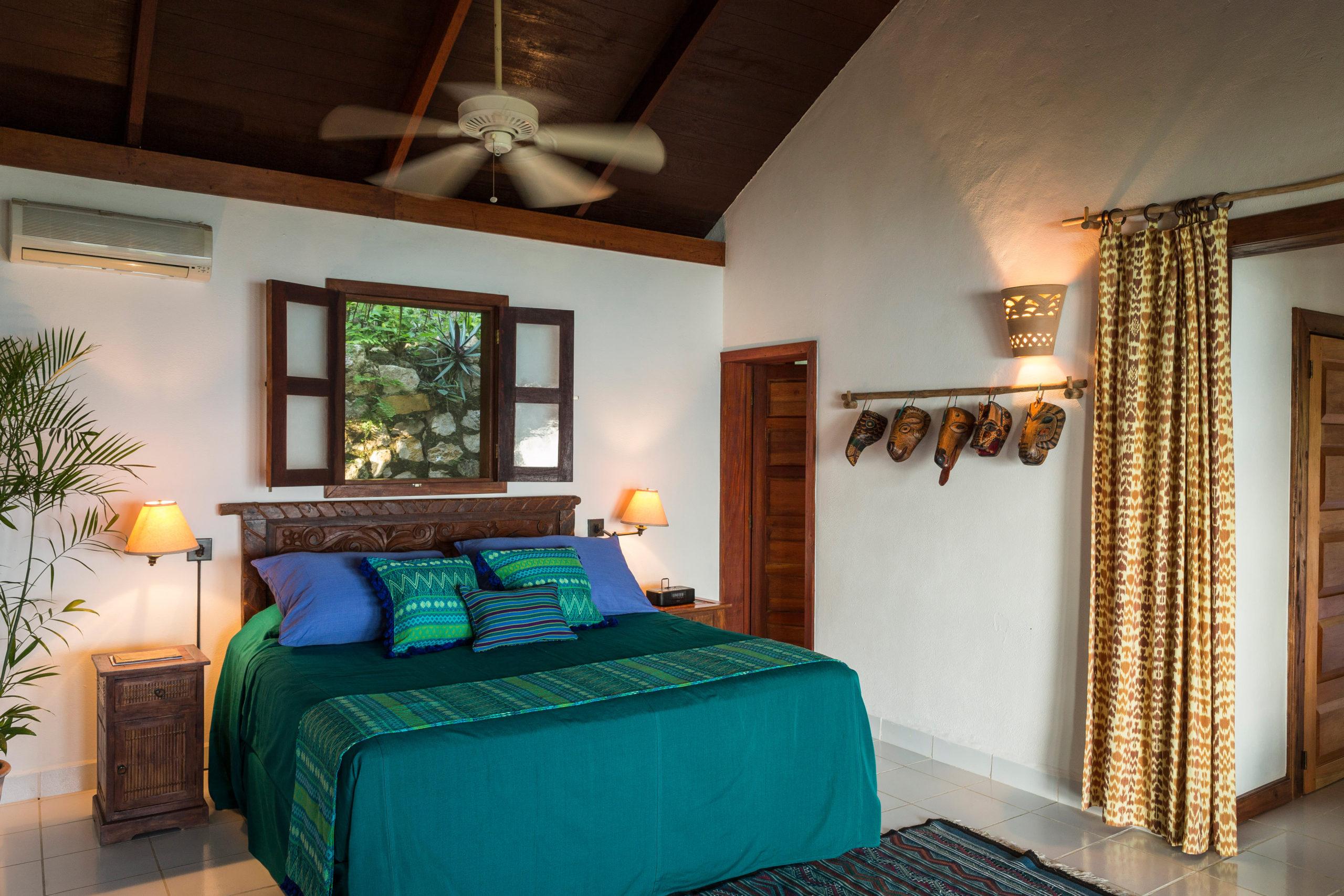 interior bedroom Lakeview Suite La Lancha