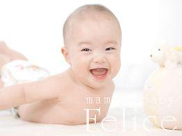5か月男の子うつ伏せ大好き