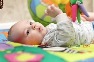 Como estimular o seu filho nos primeiros meses de vida
