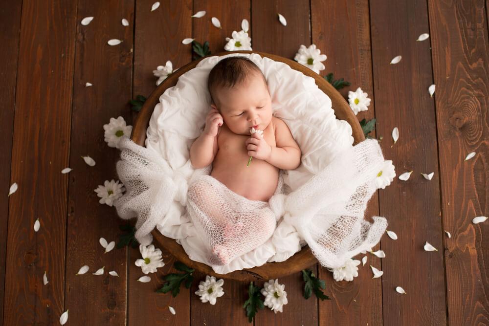 Quantas horas o bebê precisa dormir por dia e em cada soneca