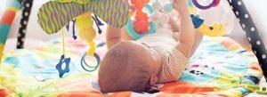 Brinquedos que ajudam no desenvolvimento do bebê
