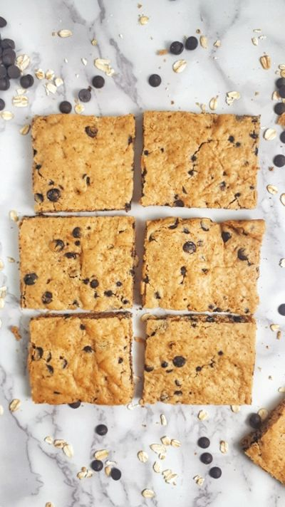 Chocolate Chip Cookies Bars with 3 smartpoints