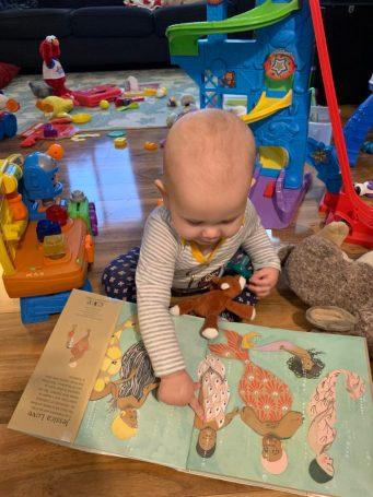 Marian reads Julian is a MErmaid
