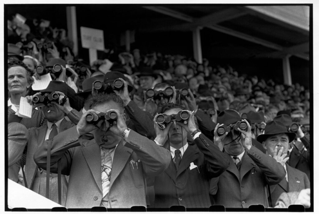 historical photos of Ireland, men at horse race