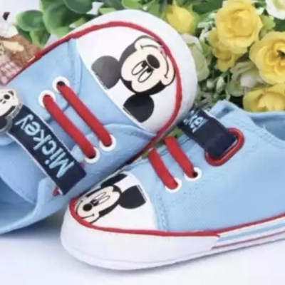 Zapatillas Mickey celeste