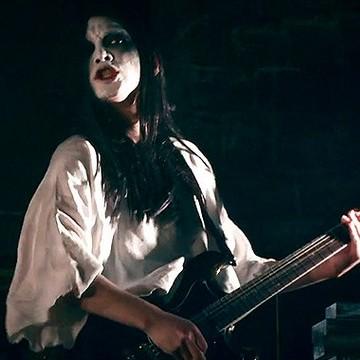 BABYMETAL神バンドメンバー ギターリストLEDA プロフィール使用機材 DELUHI