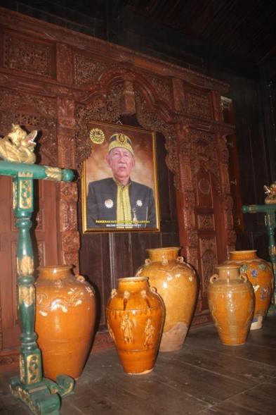 Foto Sultan dan Keramik