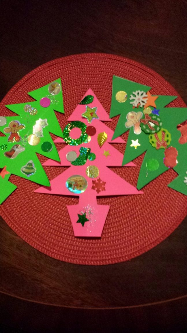The decorated Christmas Tree Bunting is ready for hanging up