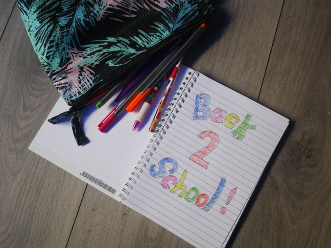 Personailsed Kids Stationery from GiftPup the online personalised gift shop. They offer a great selection of kids stationery perfect for getting the kds back to school