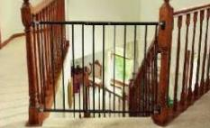 Baby Gate montado en hardware