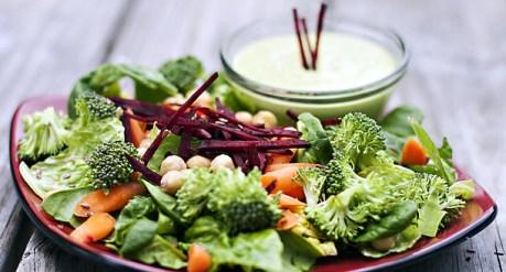 Chick Pea and Beet Salad (455 mcg folic acid)