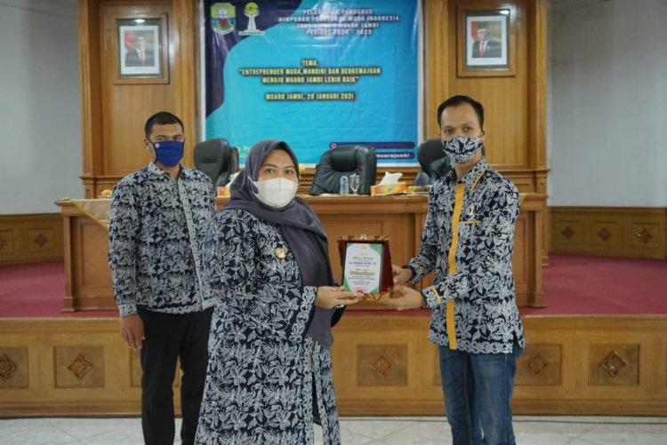 Bupati Masnah Hadiri Acara Pelantikan Himpunan Pengusaha Muda Indonesia