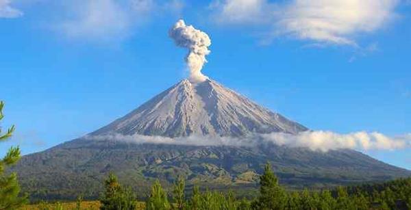 ketinggian gunung ini sendiri berada pada angka 3 492 mdpl sayangnya terdengar kurang populer di antara