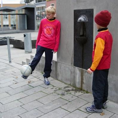 Stockmann krana på Handelstorget i Skien/ water tap on town square in Skien