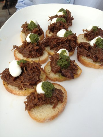 Braised short rib crostini