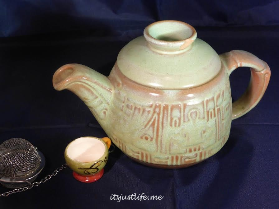Frankoma teapot on itsjustlife.me