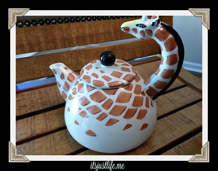 giraffe teapot 3