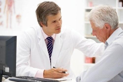 Cần đến bác sĩ ngay nếu bị đột quỵ