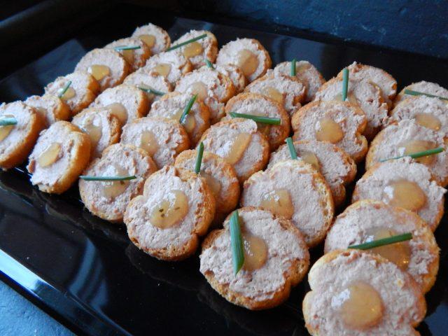 Tostas de foie y compota de manzana (12 unidades) 12