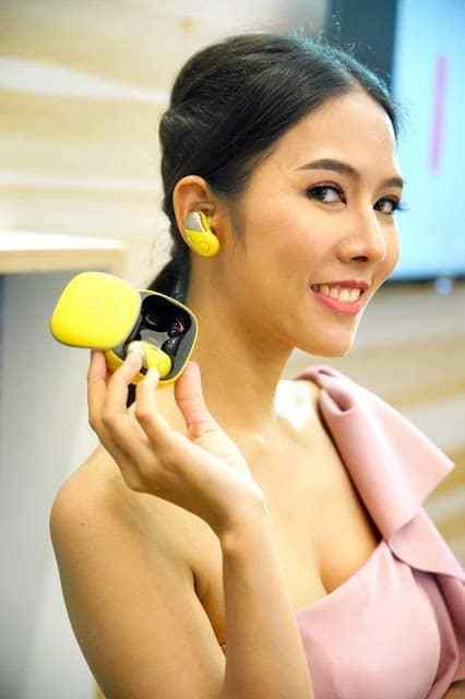 "- Pic Sony WI SP700N 01 2 - โซนี่ไทย เดินหน้าส่งทัพผลิตภัณฑ์เครื่องเสียงครบไลน์ ให้ประสบการณ์การฟังเพลง ""Feel The Sound All Around"""