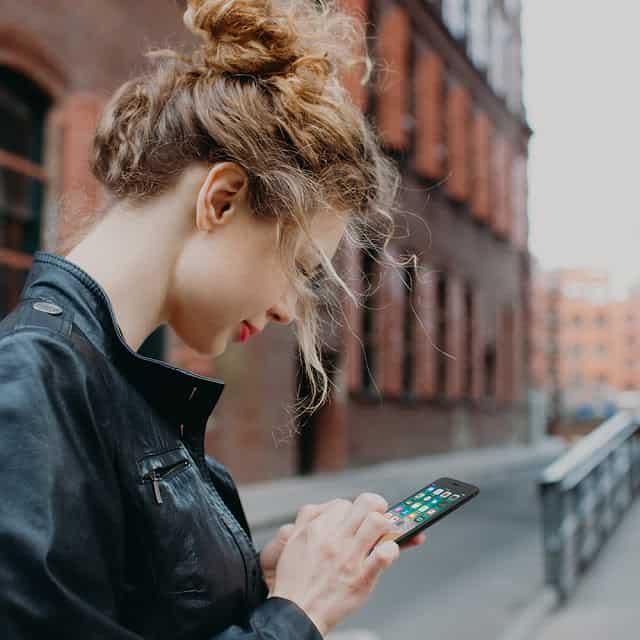 """Belkin """"Easy Align Tray"""" ทางเลือกใหม่ของการติดตั้งกระจกกันรอยสำหรับไอโฟน - Belkin """"Easy Align Tray"""" ทางเลือกใหม่ของการติดตั้งกระจกกันรอยสำหรับไอโฟน"""