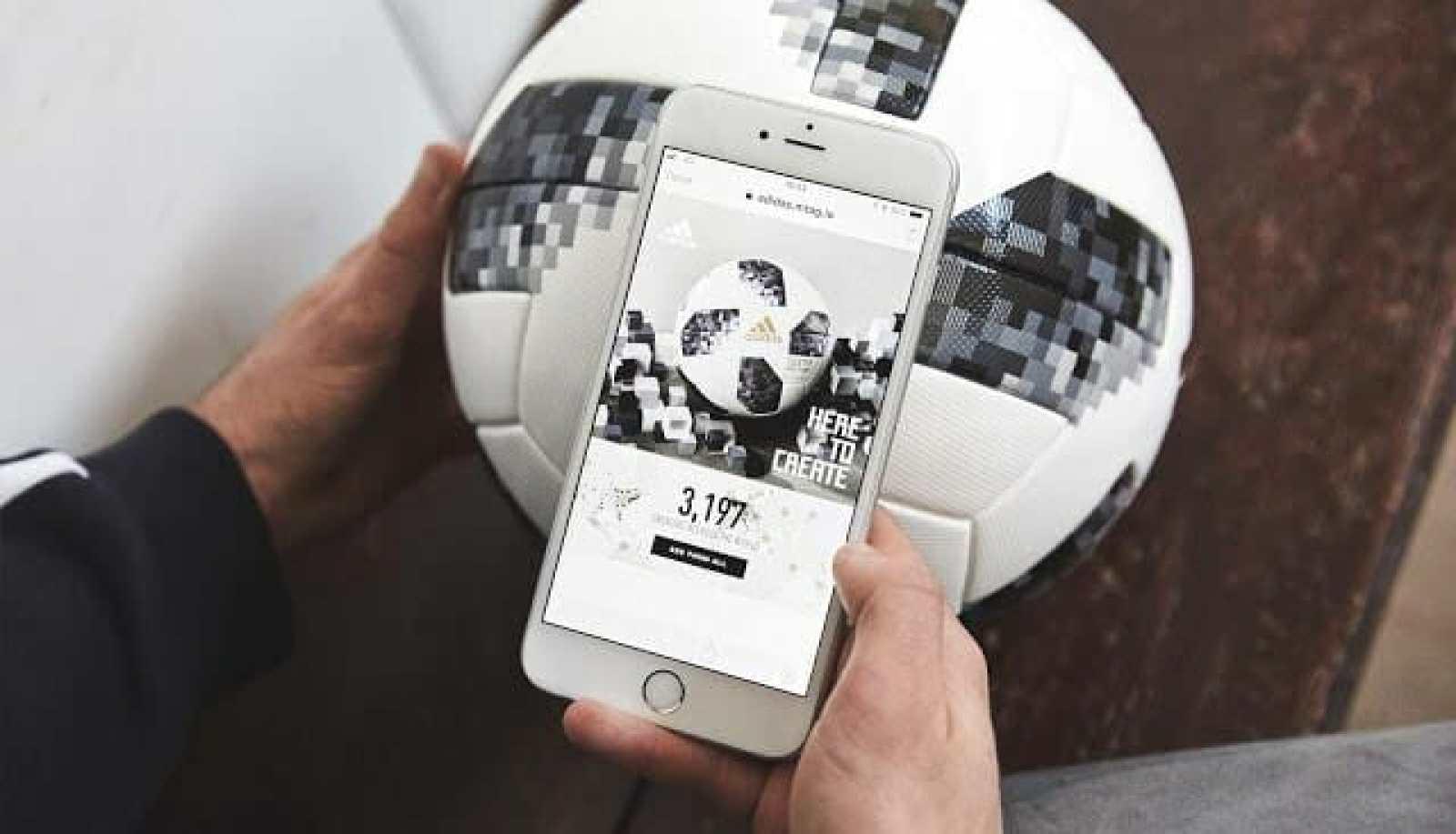 - hi vis telstar adidas ball nfc1 2 - ทำความรู้จัก NFC เทคโนโลยีไร้สายระยะใกล้ที่อุดมด้วยประโยชน์