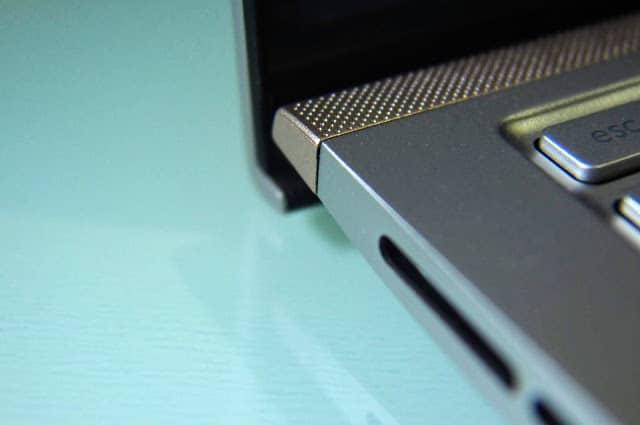 - OI000011 - รีวิว ASUS Zenbook 15 UX533FD แล็ปท็อปจอขอบบางเฉียบ สวยงามจนต้องเหลียวมอง