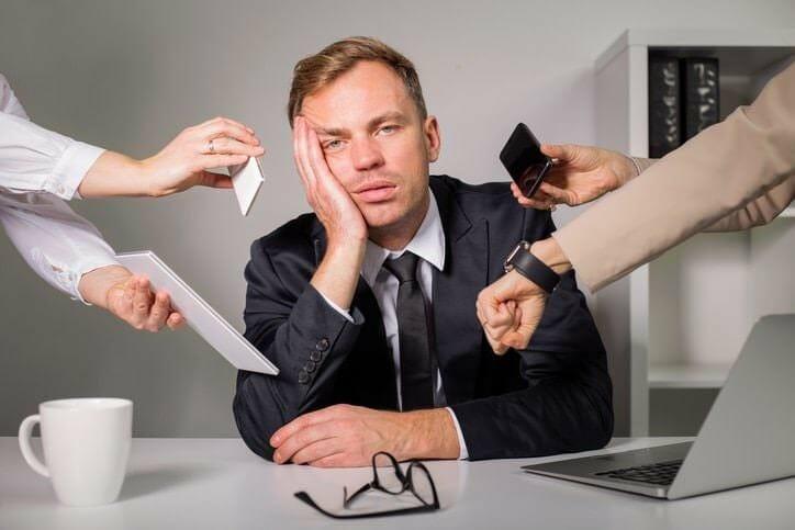 รายงานเผย พนักงานเกินครึ่งไม่ต้องการให้เจ้านายและเพื่อนร่วมงานรู้ Social Media ของตน - Tired 2 - รายงานเผย พนักงานเกินครึ่งไม่ต้องการให้เจ้านายและเพื่อนร่วมงานรู้ Social Media ของตน