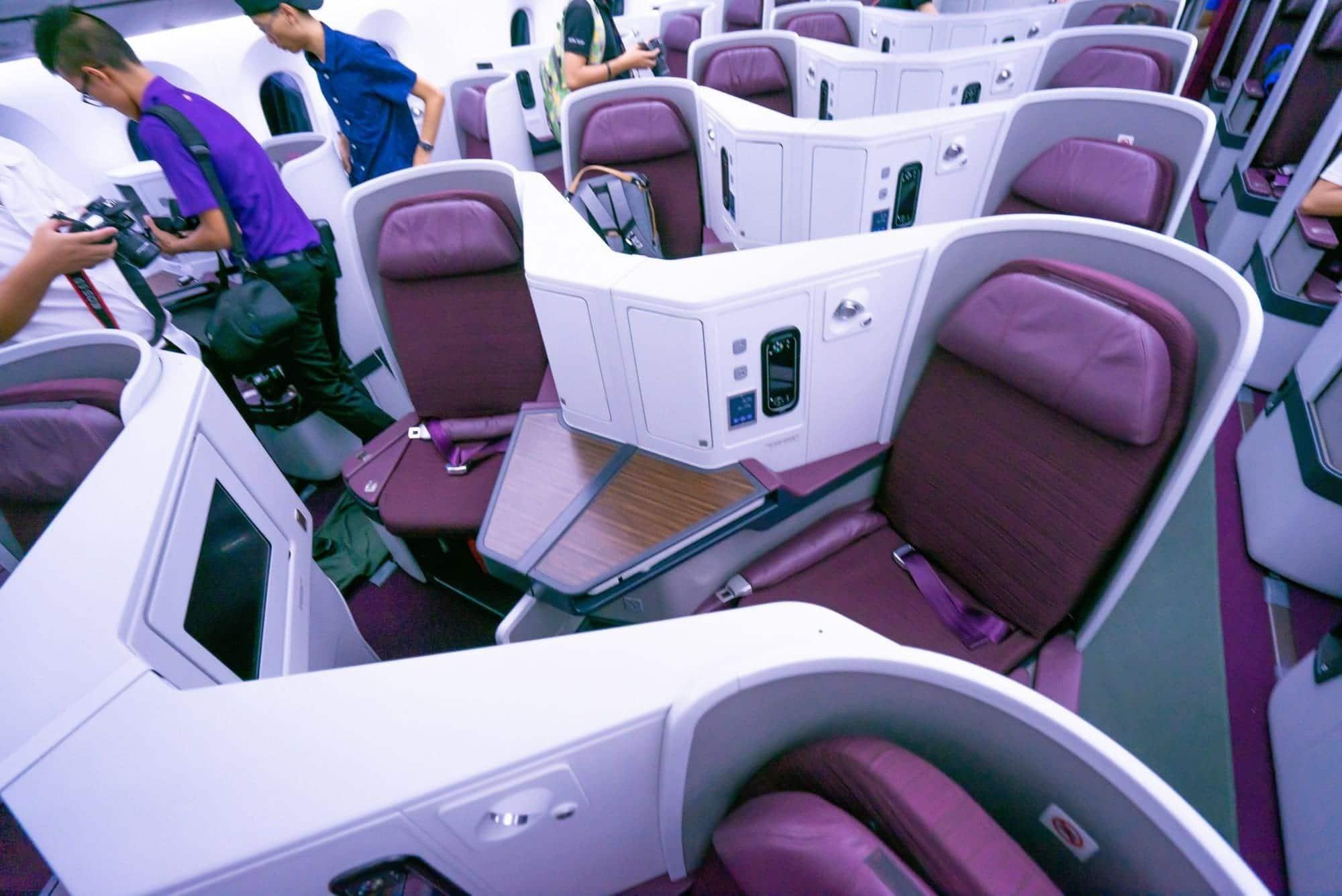 สำรวจเครื่องบิน Boeing 787-9 ลำใหม่ของการบินไทย - สำรวจเครื่องบิน Boeing 787-9 ลำใหม่ของการบินไทย