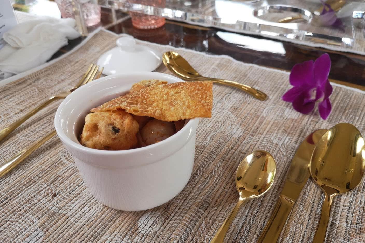 - รีวิว Thai Bus Food Tour นั่งรถบัสกินอาหารระดับ Michelin รอบกรุง