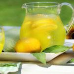 5 ползи от пиенето на лимонена вода сутрин