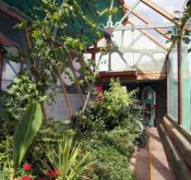 0019-earthship-food3