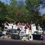 Доброволци учат децата в Бургас на рециклиране