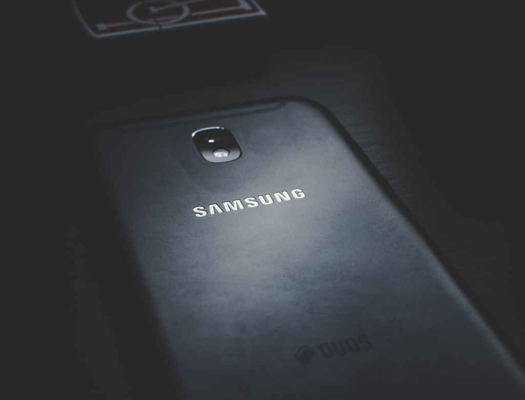close up photo of black samsung phone