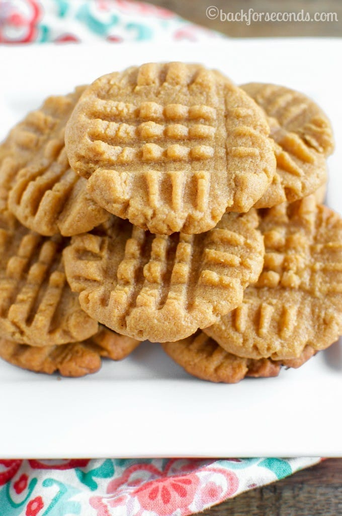 Classic Peanut Butter Cookies - Just 3 ingredients, and these are the best peanut butter cookies ever!!
