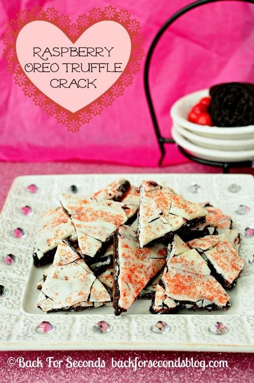 Raspberry Oreo Truffle Crack @BackForSeconds #ValentinesDay #candy #oreos #nobake https://backforseconds.com