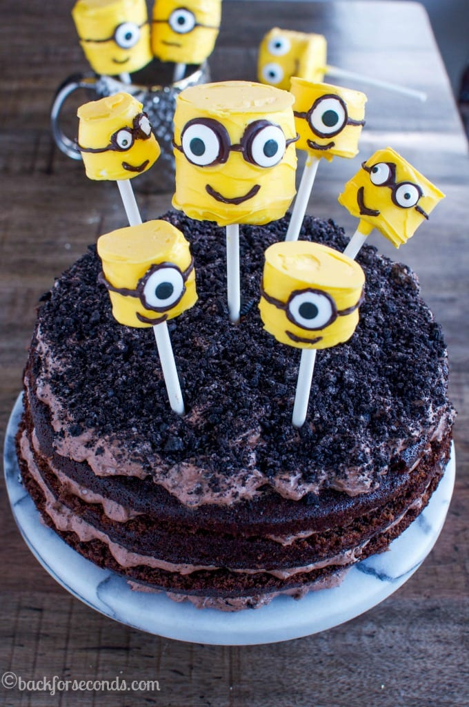 easy-minions-birthday-cake