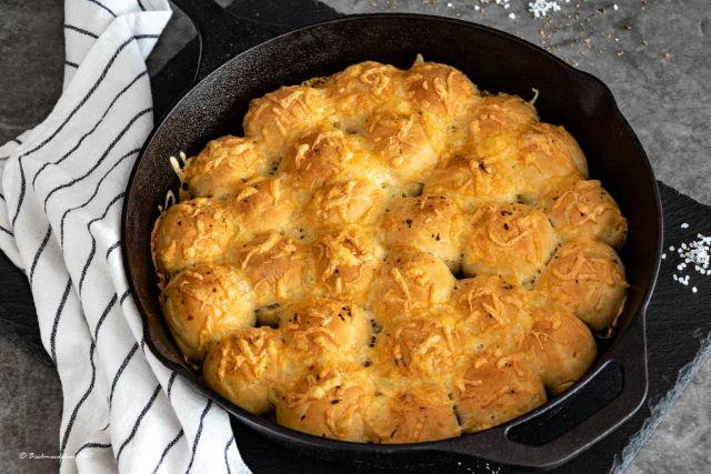 Kräuterbutter-Käse Bubble Bread