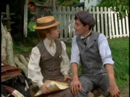"""Sarah Polley as Anne and Jonathan Crombie as Gilbert in """"Anne of Green Gables"""""""
