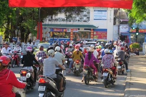 Hué – der ganz normale Straßen-Wahnsinn