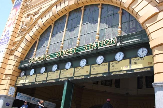 Flinders Street Station, Under the clocks, Melbourne