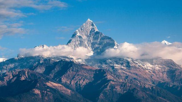 ヒマラヤ山脈が目前に広がる町 ポカラ