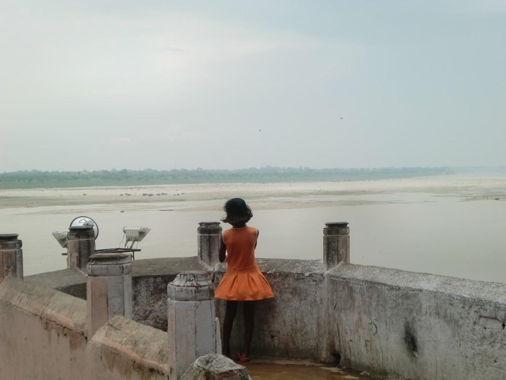 ガンジス河と現地の女の子
