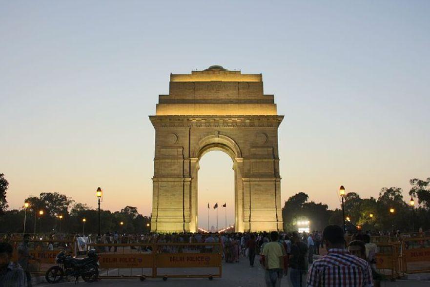 戦争の記憶を今に伝える「インド門」